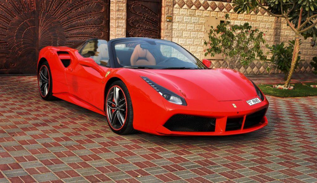 Rent Ferrari Spider 2018