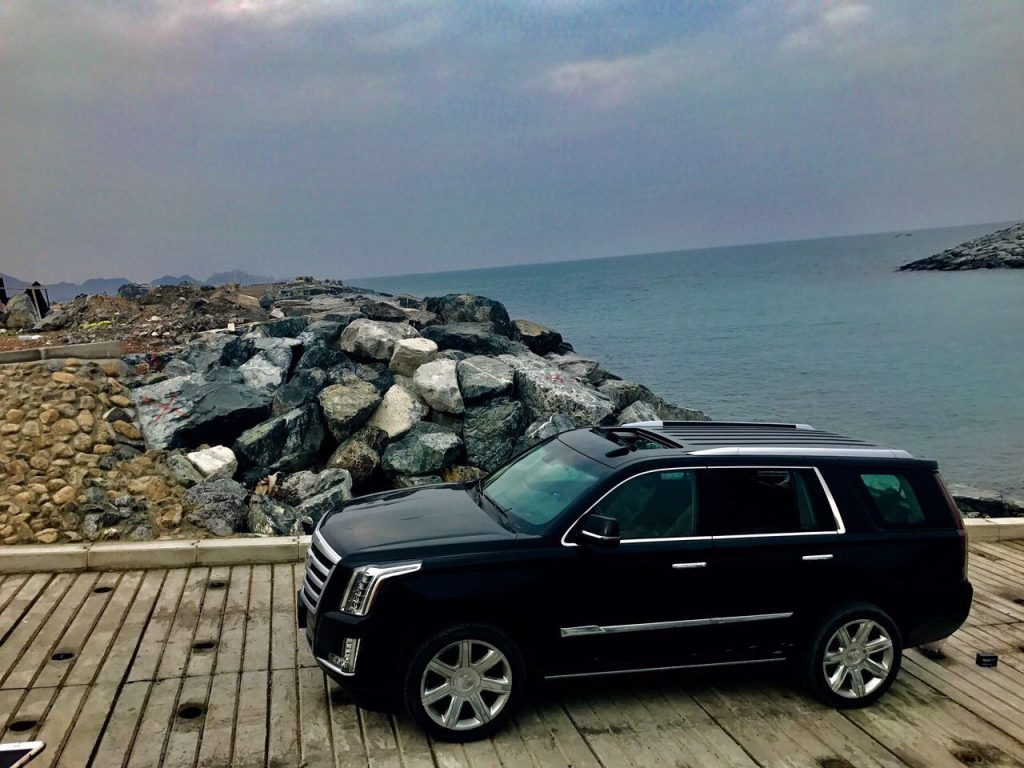 Rent Cadillac Escalade SUV 4x4 in luxury Dubai