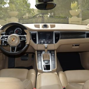 rent porsche macan turbo 2017 in Duba