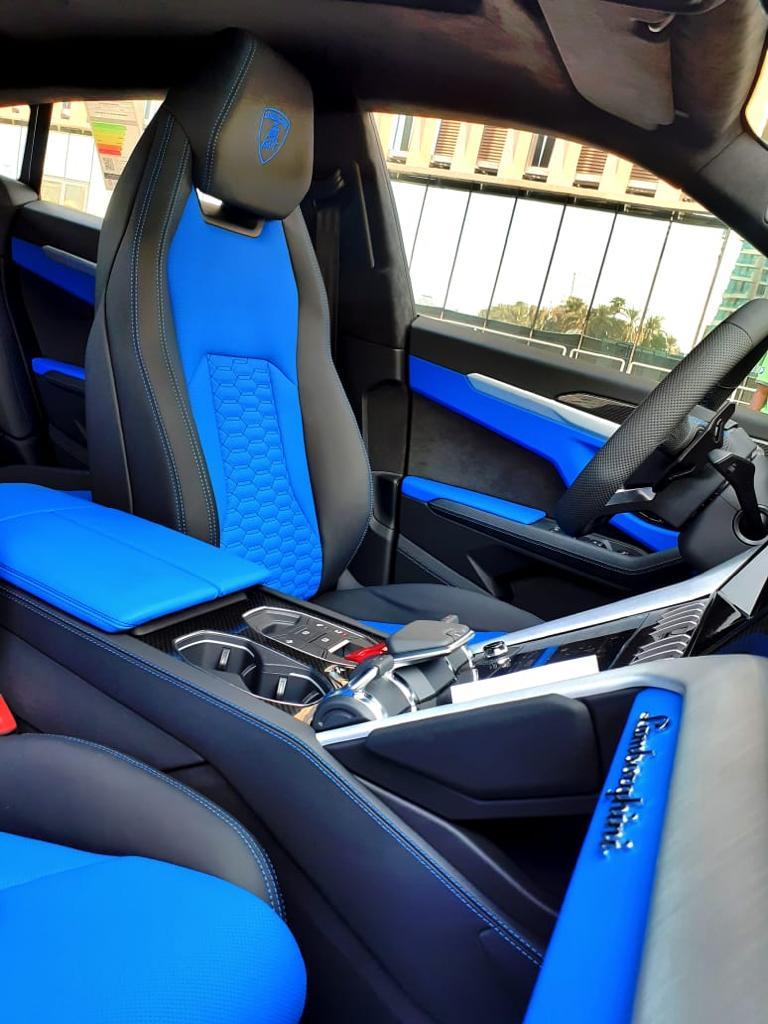 Lamborghini urus 2020 blue